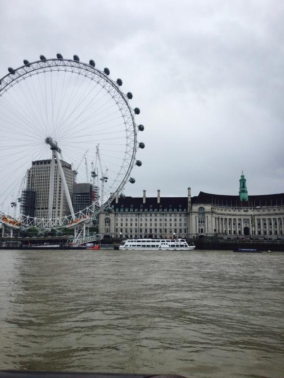 thames clippers, london eye, london