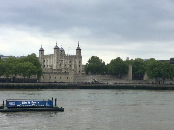 tower of london, thames