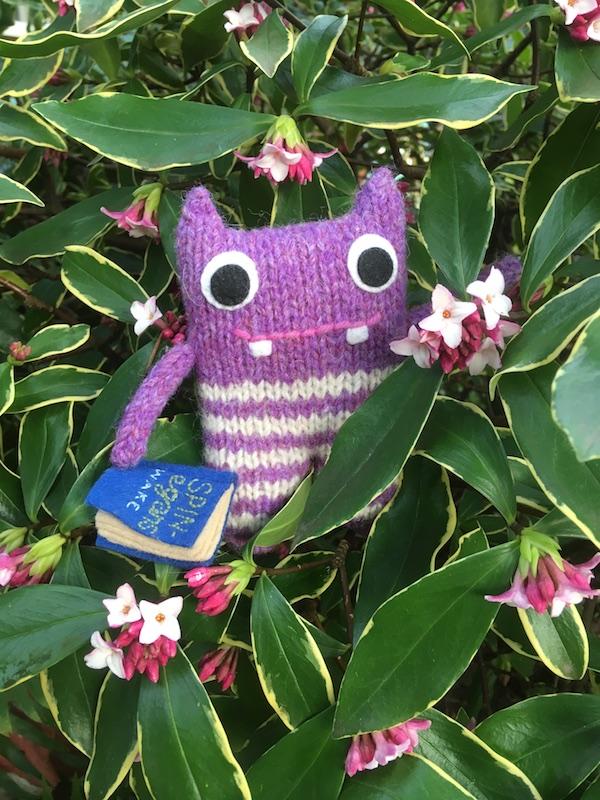 finn mcspool, beastie, crawcrafts beasties, flowers, garden, daphne